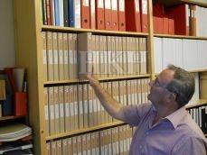 """Henk Boot bij het """"papieren"""" archief"""