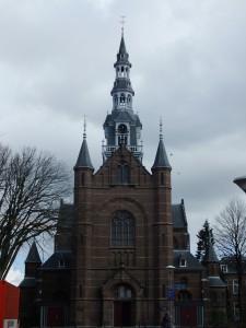 vooraanzicht Laurentiuskerk