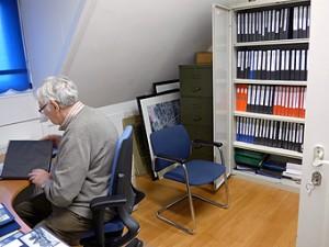 Willem van Rixel stilletjes aan het werk